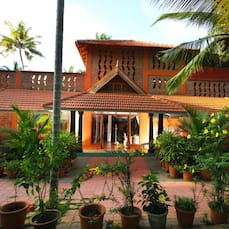 Beach and Lake Ayurvedic Resort, Kovalam